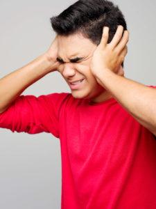 Saps què és el tinnitus?