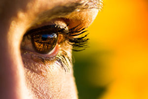 Com puc protegir els meus ulls del sol?